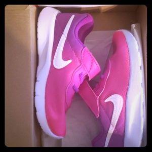 Nike Tanjun fade viola/pink new tennis shoes